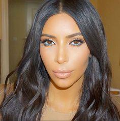 Kim Kardashian turquoise eyeliner