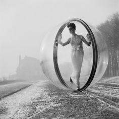 Women in Bubbles over Paris5 - Melvin Sokolsky