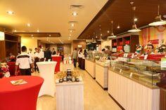 Kendinize bir Cafe&Restoranişi kurmak istiyorsunuz. Güzel bir mekanınız da var veya kiralayabilirsiniz. Size lazım olan ise güzel bir Cafe&Restoranbayiliği. Faruk GüllüoğluBayilik-Franchising tam aradığınız firma olabilir.