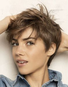 Short messy pixie haircut hairstyle ideas 17