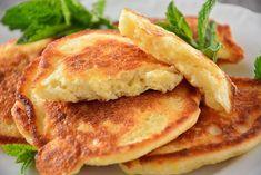 Racuszki z jabłkami Kefir, Pancakes, Breakfast, Food, Recipes, Morning Coffee, Essen, Pancake, Meals