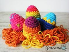 Siguiendo este esquema podrás elaborar en Semana Santa estos huevos de Pascua llenos de color.