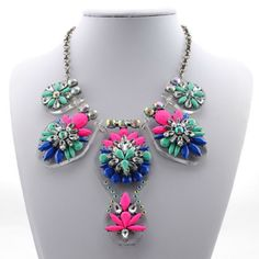 Wholesale Rhinestone Colorful Flower Cute Necklace For Women (COLOR ASSORTED), Necklaces - Rosewholesale.com
