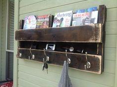 DIY Rustic Pallet Coat Rack | Pallet Furniture DIY
