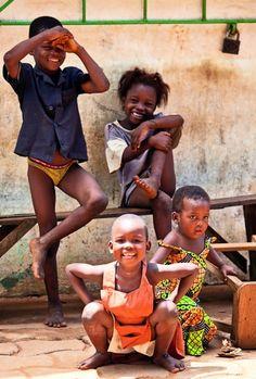 Kids from Ouidah. Portrait, Bénin, Africa. Photo © E. B. Sylvester