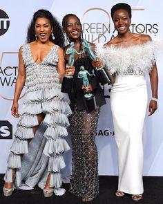 Danai Gurira Source⭐ Fan Page ( Black Girls Rock, Black Girl Magic, Hollywood Divas, Sag Awards, Red Carpet Looks, Black Panther, Peplum Dress, Celebrity Style, Celebs