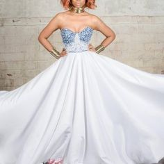 Notre sélection de robes de mariée tendance.