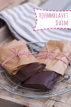 Hjemmelavet daim Food For Eyes, Diy Snacks, Christmas Goodies, Love Food, Sweet Tooth, Vegan Recipes, Deserts, Food And Drink, Sweets