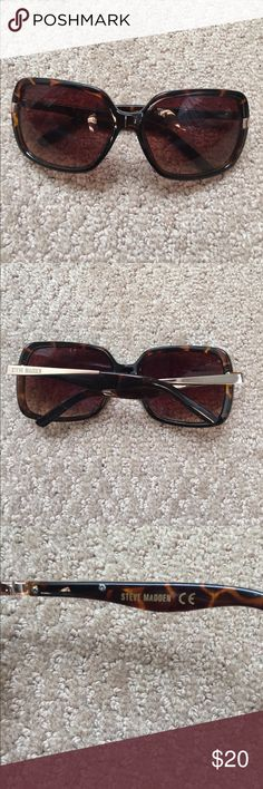Tortoise shell Steve madden sunglasses steve madden sunglasses s5478TS worn once! Great shape no scratches🌟🌟 ALWAYS OPEN TO OFFERS🌟🌟 Steve Madden Accessories Sunglasses
