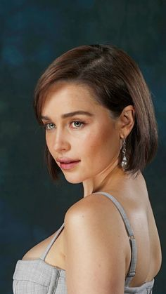 The Essence of the Music Business - Modern Emilia Clarke Daenerys Targaryen, English Actresses, British Actresses, Beautiful Celebrities, Beautiful Actresses, Emilia Clarke Sexy, Emilie Clarke, Hbo Game Of Thrones, Mother Of Dragons