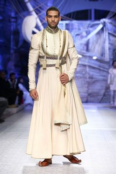 JJ Valaya Aamby Valley India Bridal Week JJ Valaya Collection, Designs, Fashion Shows, Mens Fashion, Pictures and Photos on Bigindianwedding Indian Men Fashion, India Fashion, Fashion Show, Fashion Outfits, Fashion Design, Fashion Trends, Men's Fashion, Bridal Fashion, Skirt Fashion