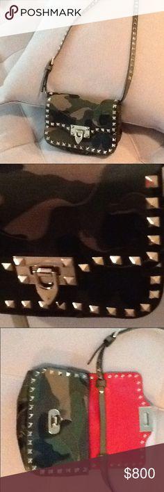 Authentic Valentino Camo Rockstud Crossbody Authentic Valentino leather canvas camo rockstud shoulder/crossbody bag, worn twice. Valentino Bags Shoulder Bags