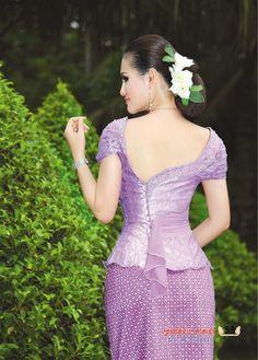 http://mister-b-blog.blogspot.com/2013/10/khmer-dress.html