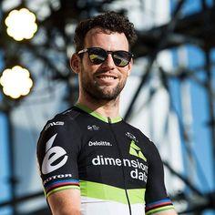 Mark Cavendish media day Saitama Criterium 2017 Mark Cavendish, Manx, Pro Cycling, Saitama, Pilot, Mens Sunglasses, Bike, Guys, Cycling