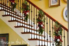 diy christmas staircase decorating ideas