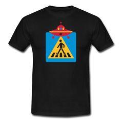 """Guten Morgen Welt ... Was zum anziehen? Mit dem LittleUFO-Shirt den Tag erobern, raus auf die Straße, den Tanz mit den Mundwinkeln wagen, ja zum Tag und den Nächten sagen ...  """"Fun ~ LittleUFO - Walker"""" wurde von """"Crazy Banana"""" kreiert. Digital Direktdruck, 18,7 cm x 25,8 cm"""
