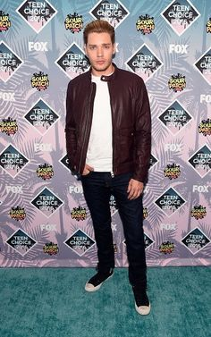 Image in Shadowhunters collection by Anne on We Heart It Dominic Sherwood, Jace Wayland, Christian Ozera, Teen Choice Awards 2016, Shadowhunters Actors, Vampire Film, Jamie Campbell Bower, Image Fun, Vampire Academy