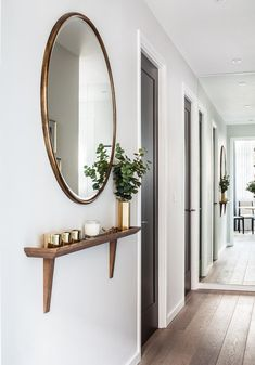 Wall round mirror with small shelf