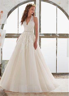 comprar Elegante escote halter A-Line vestidos de novia de tul y raso con apliques moldeados de encaje de descuento en Dressilyme.com