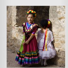 Precious Mexican children - All children are beautiful but we especially enjoy the Mexican children wearing traditional clothing - for more of Mexico visit www. Mexican Traditional Clothing, Traditional Dresses, Mexican Clothing, Mexican Art, Mexican Style, Mexican Girls, Precious Children, Beautiful Children, Folklore