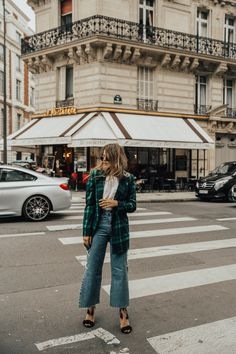If you watch my Instagram account regularly you know, I've recently been in the city of love – thanks to Paris Fashion Week. The trip started unexpected… with someone emptying his coffee all over my white pants which actually rather made me laugh because for a change, it was not me, myself and I who was staining my own white clothes with something not Read More