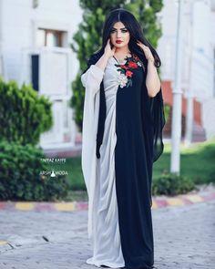 Beautiful African Women, Beautiful Muslim Women, Beautiful Girl Indian, Asian Wedding Dress, Cool Girl Pictures, Pakistani Girl, Stylish Girl Pic, Muslim Fashion, Ulzzang Girl