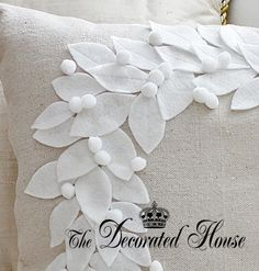 DIY Pottery Barn Style Wreath Pillow, done with White On Beige. The Decorated House, blog