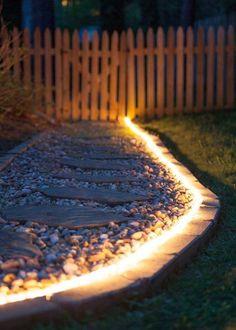 Éclairer son allée de jardin avec un ruban lumineux / Led light band in the garden - Marie Claire Maison