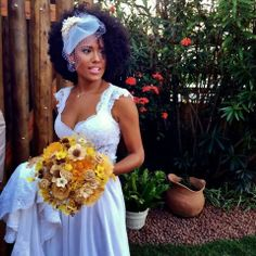 Salivate 41 wedding hairstyles for black women over 2018 Are you a black bride, the amazing Wedding hairstyles for black women looking for whom you will appreciate for the rest of your life? Afro Wedding Hairstyles, Natural Hair Wedding, African American Brides, Pelo Afro, Black Bride, Bridesmaid Dresses, Wedding Dresses, Black Women Hairstyles, Bridal Looks