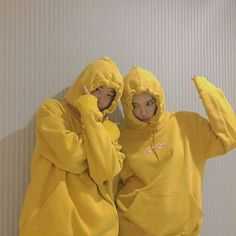 Image de ulzzang, yellow, and couple Ullzang Girls, Ullzang Boys, Best Friend Pictures, Bff Pictures, Bff Goals, Best Friend Goals, Korean Couple, Korean Girl, Korean Best Friends