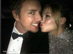 Kristen Bell And Dax Shepard Are The Cutest Couple On The Golden Globes 2013 Red Carpet (Photo) Hollywood Couples, Celebrity Couples, Celebrity News, Kristen Bell And Dax, Hot Moms Club, Golden Globes 2013, Jenny Packham Dresses, Dax Shepard, Michael Bay