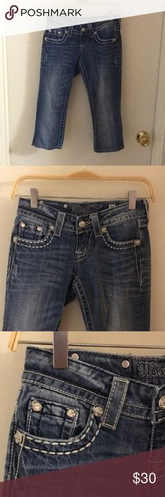 Miss Me capri pants size 24 Gently used miss me Capri pants size 24 perfect condition Miss Me Pants Capris