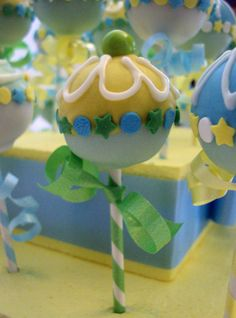 Items similar to Baby Shower Rattle Cake Pops on Etsy - Dessert Recipes Brownie Pops, Cookie Pops, Baby Shower Cake Pops, Baby Boy Shower, Baby Showers, Baby Rattle Cupcakes, Fondant, Cupcakes Decorados, Cake Pops How To Make