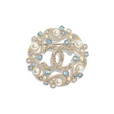 Discover the latest collection of CHANEL Costume jewelry. Explore the full range of Fashion Costume jewelry and find your favorite pieces on the CHANEL website. Gold Rings Jewelry, Jewelry For Her, Cute Jewelry, Vintage Jewelry, Jewelry Necklaces, Jewelry Accessories, Jewelry Making, Dainty Jewelry, Jewellery