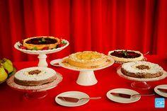 Que tal essa mesa repleta de delícias preparadas por Anis Gastronomia, hein? As lindas e delicadas bases para bolo em porcelana ficam por conta da JO Decor. Aproveite e garanta a sua, acessando nossa loja virtual www.jodecor.com.br - Vendas no atacado e no varejo! #jodecor #jdecor #fingerfood #fingerfoods #food #instafood #amazing #instagood #photooftheday #picoftheday #bestoftheday #foodie #delish #delicious #eating #foodpic #foodpics #eat #hungry #hot #foods #gourmet