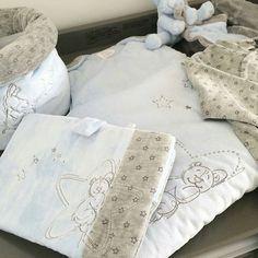 Comme @beautyinbelgium, craquez pour la collection Poudre d'étoiles de chez #noukies dispo sur le site #berceaumagique. Existe en version rose, blanc et bleu : tour de lit, matelas à langer, gigoteuse, couverture... des dizaines de produits pour un univers tout doux!