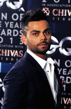 Virat Kohli is fitness & style goals for all the young guys out there. Choose from our list, the Virat Kohli hairstyle that suits you best. Men's Fashion, Fitness Fashion, Hrithik Roshan Hairstyle, Virat Kohli And Anushka, Virat Kohli Wallpapers, Kids Christmas Outfits, Cricket Wallpapers, Kids Diary, Mr Perfect