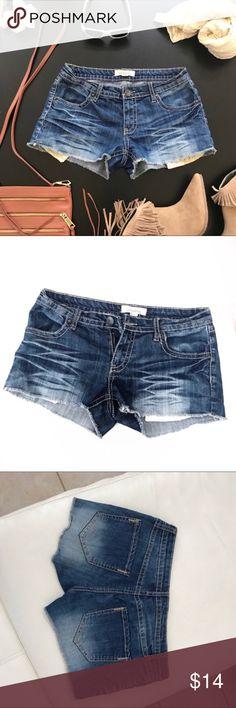 "Forever 21 denim cutoff shorts size 27 Waist 27"" Rise 7.5"" Inseam 2""  Perfect for music festivals like Coachella Forever 21 Shorts Jean Shorts"