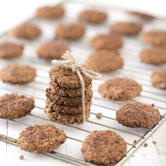Dit verantwoorde recept voor walnoot koekjes is lekker! Walnoten zijn gezond! Ze zijn rijk aan belangrijke onverzadigde vetten en bevatten veel vitamines.