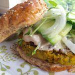 falafel burger #food #nutrition #cooking #plantbased #burger #vegetarian #vegan #recipe #recipes #healthy #healhyeating #healthyfood #falafel