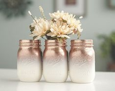 Set of 6 Glitter Vases, Rose Gold and Ivory Ombre Centerpiece, Rose Gold Home Decor, Glitter Mason Jars, Rose Gold Wedding Decor Paillettes 6 Vases Or Rose et centre de lOmbre Ivoire Rose Glitter Mason Jars, Painted Mason Jars, Mason Jar Crafts, Mason Jar Diy, Pots Mason, Décoration Rose Gold, Rose Gold Decor, Gold Home Decor, Rose Gold Theme