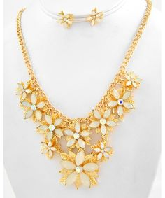 441935 Gold Tone / Natural Acrylic & Ab Rhinestone / Lead&nickel Compliant / Flower / Necklace & Post Earring Set