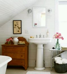 bathroom I'd never leave my bathroom if it looked like this! Bathroom design idea - Home and Garden Design Ideas love this cottage bathroom . Attic Bathroom, Upstairs Bathrooms, Bathroom Interior, White Bathroom, Classic Bathroom, Bathroom Modern, Small Bathrooms, Cozy Bathroom, Furniture In Bathroom