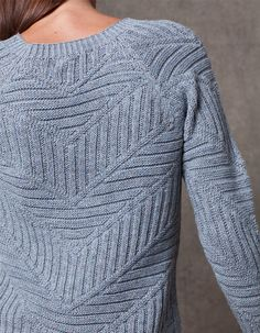 Helmut Lang Cash wool and cashmere-blend sweater Knitting Designs, Knitting Stitches, Hand Knitting, Handgestrickte Pullover, Hand Knitted Sweaters, How To Purl Knit, Knit Jacket, Knit Fashion, Knitwear