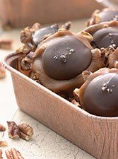 Pecan & Salted Caramel Candies - Homemade Turtles in half an hour - This quick, easy candy combines toasted pecans, caramel, chocolate, and coarse sea salt, for a gourmet touch.