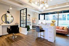 Home Beauty Salon, Home Hair Salons, Beauty Salon Decor, Beauty Salon Design, Beauty Salon Interior, Home Salon, Salon Interior Design, Small Beauty Salon Ideas, Small Hair Salon