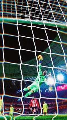 ✨ the berlin wall ter stegen Fcb Barcelona, Barcelona Football, Barcelona Futbol Club, Solo Soccer, Soccer Sports, Soccer Tips, Nike Soccer, Soccer Cleats, Photo Tips