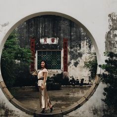The unique mixture of Chinese culture, Portuguese colonial heritage and the glitter of monstrous casinos earning it the nickname if Asia's Las Vegas, it makes Macau a great place for photography. Discover with me the 10 most instagrammable places in Macau and make the best out of your visit to the exciting city.