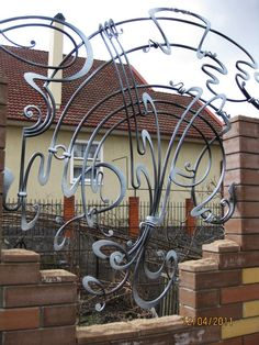 ковка - Поиск в Google Forging Metal, Metal Welding, Planetary Model, Wrought Iron Doors, Iron Steel, Iron Art, Gate Design, Metal Fabrication, Art Model