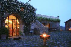 Castello di Vicarello - the courtyard